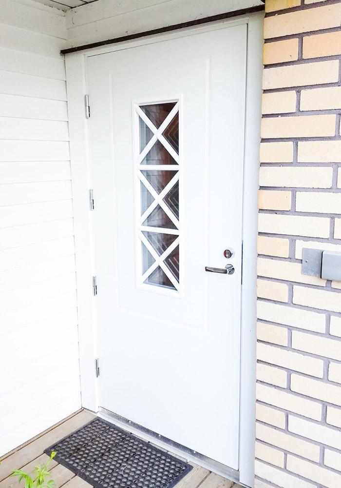 uusittu ovi